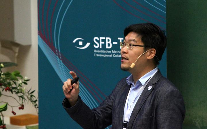 "Lewis Chuang during his talk ""User-Fidelity in Immersive Virtual Environment""."