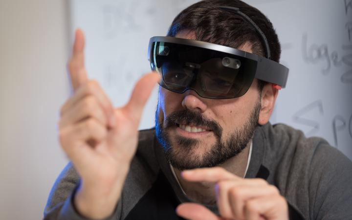 How can we analyse visualizations with Mixed Reality solutions? (Photo: University of Stuttgart / VISUS / SFB-TRR 161)